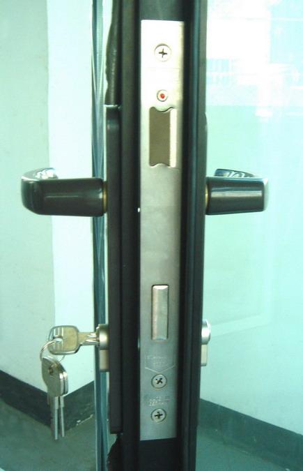 Remarkable Lock For Folding Door Ideas - Image design house plan ...